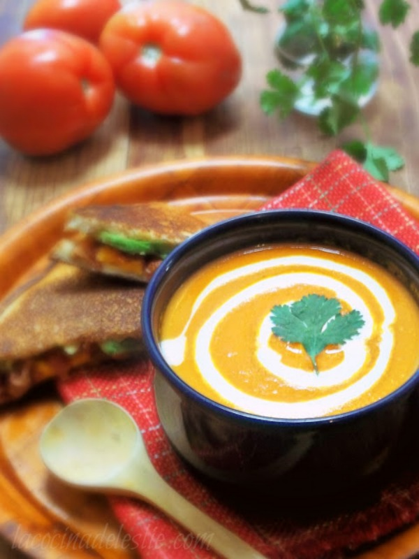 Homemade Tomato Soup recipe by La Cocina de Leslie
