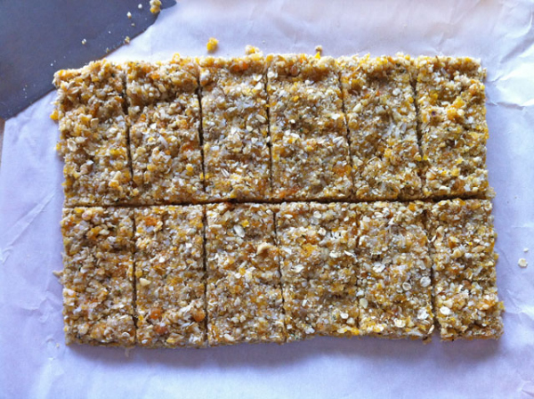 apricot walnut energy bars recipe - notjustbaked.com