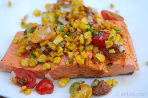 Salmon asado con salsa de choclo o maiz tierno - laylita.com