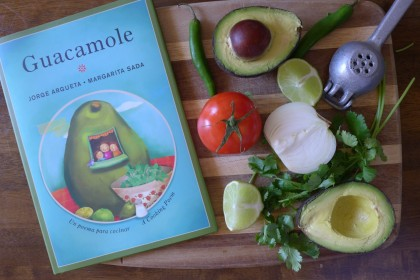 31 Days of Reading in Spanish for #BilingualKids : Guacamole -- SpanglishBaby.com