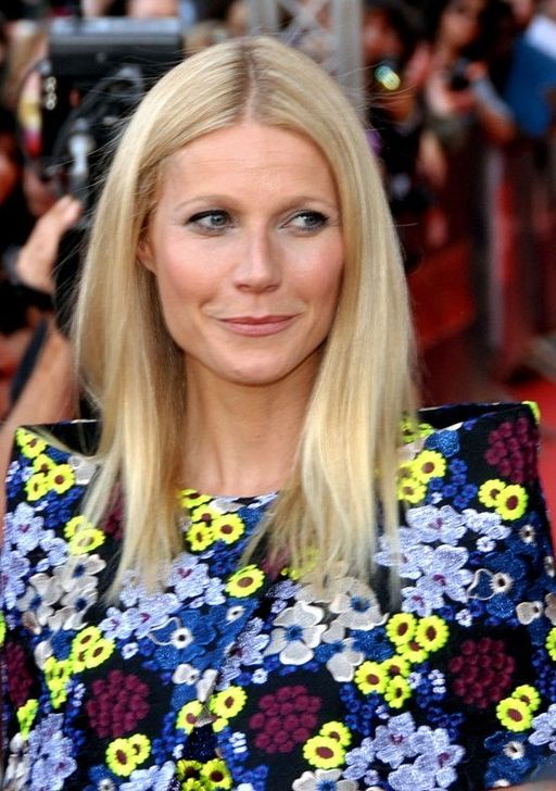 512px-Gwyneth_Paltrow_avp_Iron_Man_3_Paris_2
