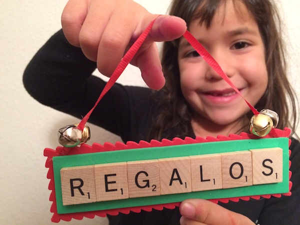 Christmas Craft: Easy DIY Ornaments in Spanish